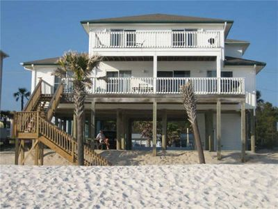 This a beautiful Beach House within walking distance to restaraunts and our local grocery store.
