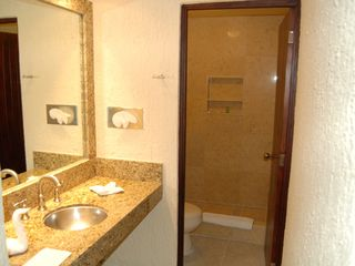 Cancun condo photo - Bath area with granite and marble