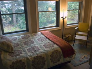 Alburg estate photo - Queen bed #3