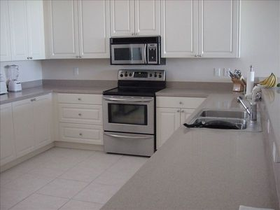 Huge Fully Equipped Kitchen - Stainless Steel Upgraded Appliances