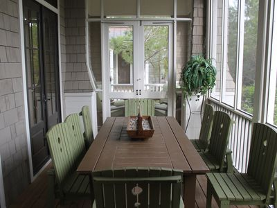 Screened Porch by the Park - Outside Dining