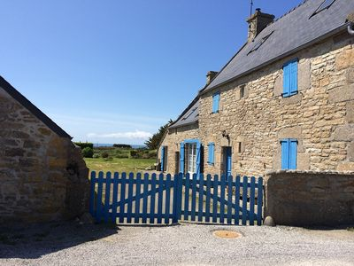 Cottage with sea views and charm close to the coast - Pets!