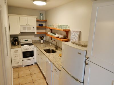 Completely renovated kitchen as of March 2016!