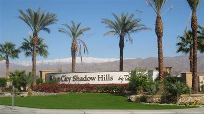 Gated, Golf 55 Plus community easy access to shopping, dining, entertainment!