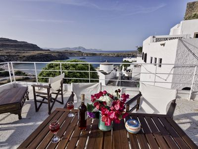 In Lindos Centre Villa for 10 with great Sea Views