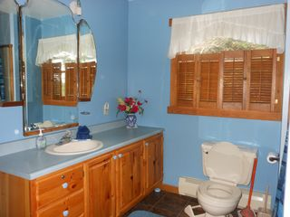 Jay Peak cabin photo - Top floor bathroom with 2 entrances: from master bedroom and loft area!