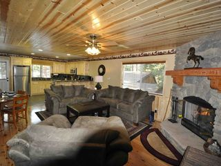Moonridge cabin photo - Livingroom