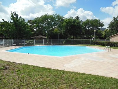 Pool, garden screwless screws and private parking