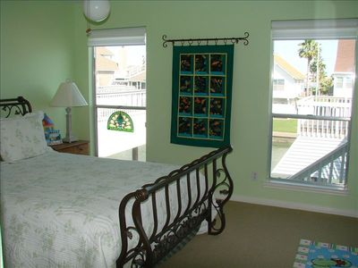 Second Bedroom- Queen Size Bed w/ Closets- Serene Atmosphere w/ Pretty Views!