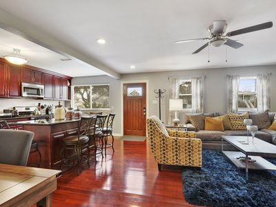 Enjoy one of New Orleans' finest neighborhoods, 15 mins from French Quarters.