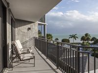 2BR/2BA Oceanview, 10 Minute Bike Ride From Duval St
