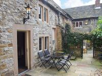 KINGS COURT COTTAGE , luxury holiday cottage in Bakewell, Ref 904647