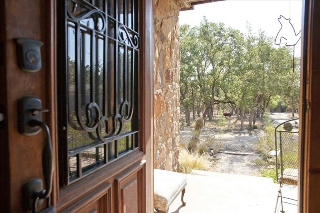 Austin City Limits- by 7000 Acre Hill Country Preserve! Private Pool!