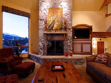 Camelot - Beautiful Stone Fireplace in Great Room, flat screen TV and Huge Windows to view Mountains from