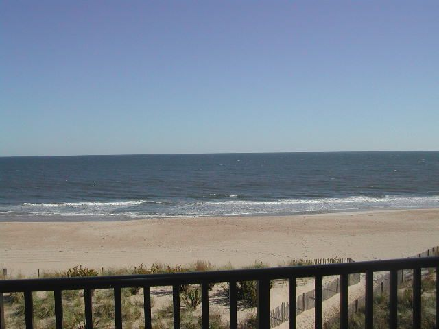 Boca Grande 401 ~ 60th St, 2 br/ 2 bath, Sunday to Sunday rental for 8 people. RA128607
