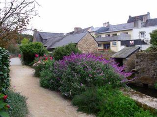 Pont-Aven cottage photo - The path of Park Grall