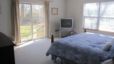 Westhampton Beach house rental - New Master Bedroom Set with TV