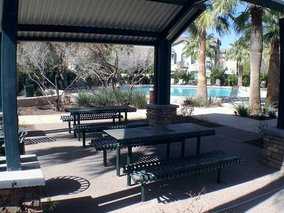 Phoenix house rental - Shaded picnic tables with few a pool.