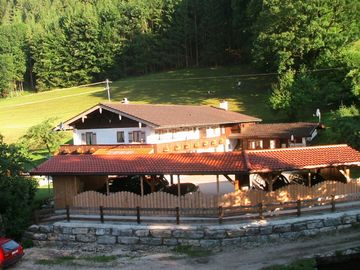 Berghof Punzenlehen**** with car ports