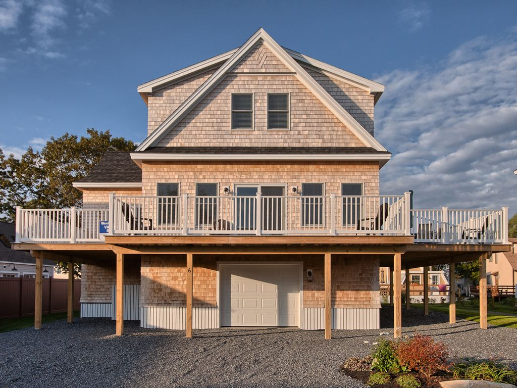 York Beach House Rental New Home On The Nubble With Water Views Throughout