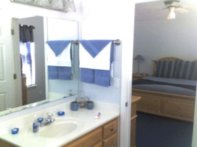 Cobalt Room ~ King Bedroom and Master Bath with Walk in Cedar Closet~