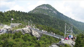 Mile High Bridge at Grandfather Mountain - 20 Minute Drive Away