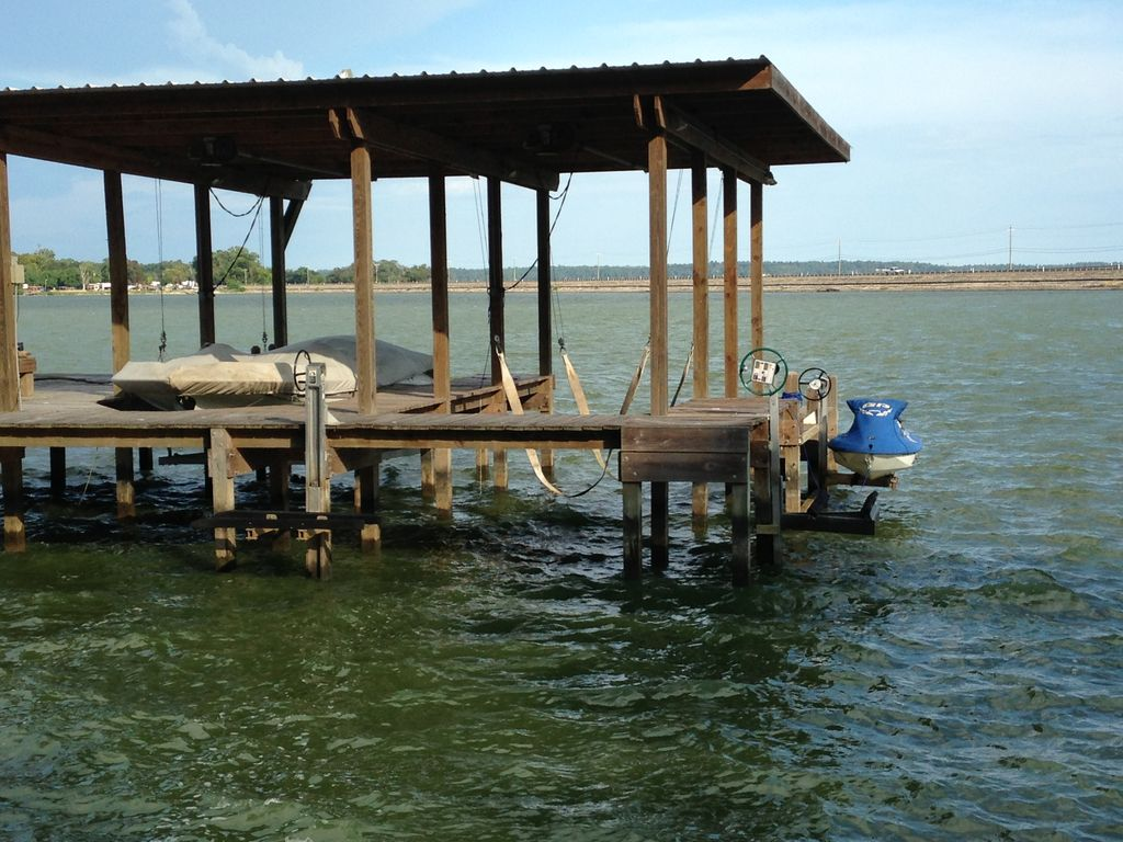 A peaceful lake setting is waiting for you vrbo for Cabins near lake livingston