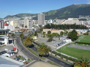 Quito condo rental - Panoramic City View!