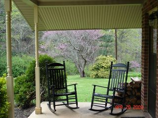 Asheville cottage photo - ~Sit back...Relax...Enjoy...Cottage At Willow Pond