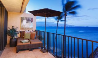 Maalaea condo photo - Enjoy a romantic sunset while lounging together on this very private lanai.