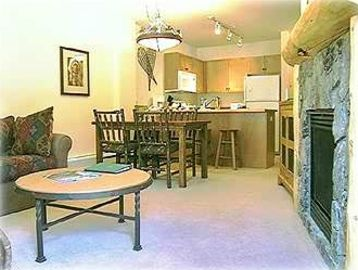 Copper Mountain condo rental - Gas Fireplace/Living room/dining room/kitchen