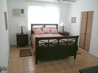 Vieques Island villa photo - Back bedroom with queen bed and bathroom