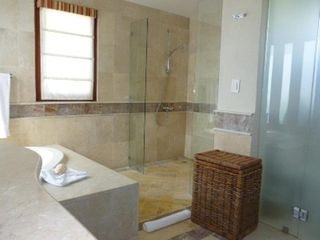 Punta Cana condo photo - Separate shower and toilet.