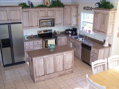 Lovely Kitchen Big Enough for Whole Family