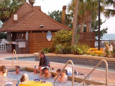 Huge Hot Tub, Lazy River, Pool Bar, Pool & Splash Pools-Fun For The Whole Family