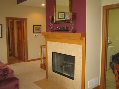 Elkhorn house rental - Fireplace with mantel