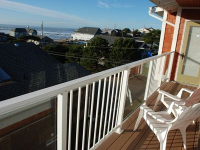 3rd floor balcony w/ beach views