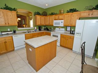 Kitchen - Emerald Island villa vacation rental photo
