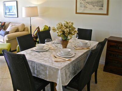 Amelia Island condo rental - Dining table seats 6 and takes advantage of the ocean view.