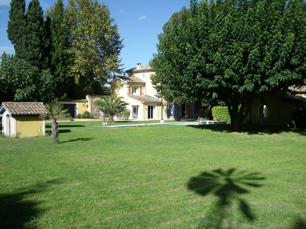 Holiday house, close to the beach, Saint-saturnin-lcs-avignon, Provence and Cote d