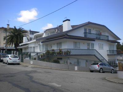 White House with apartment of 95 meters, with swimming pool, terrace and churasqueira.