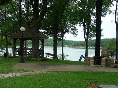Pomme de Terre Lake house rental - Backyard view