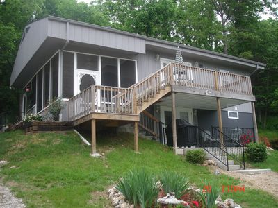 Kirbyville house rental - multi level home with two kitchens and living areas