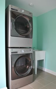 Spacious laundry room.