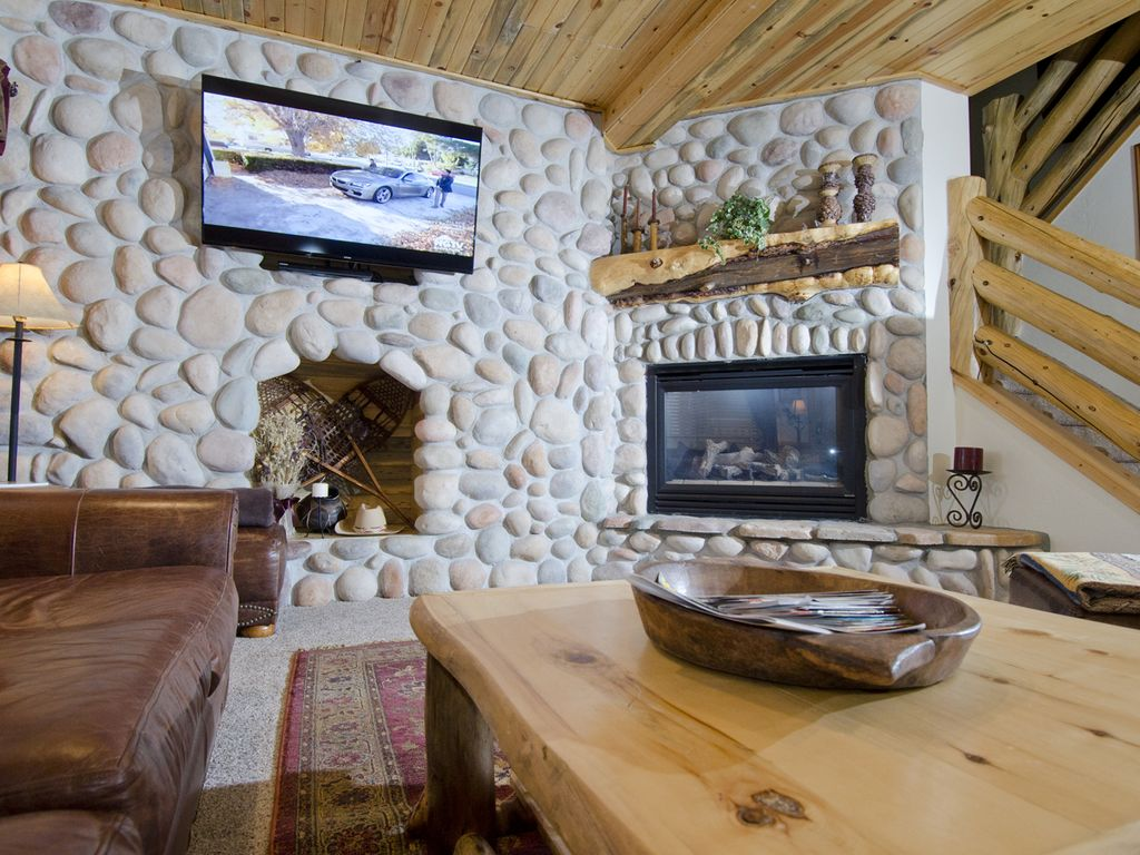 River rock fireplace pictures - Fireplace River Rock