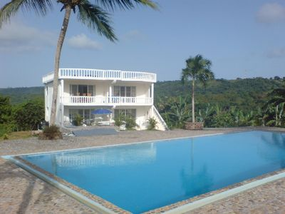 Villa + Apartment with 85 square metre pool and garden near Center + beach - Apartment