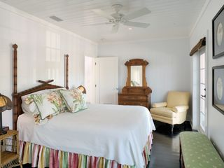 Key West villa photo - Guest house master bedroom
