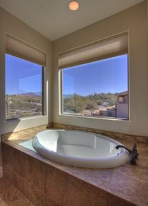 Cave Creek condo rental - 1st master bath, garden tub that overlooks the pool and north mountain views.