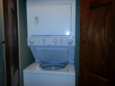 Full Size Washer/Dryer in unit for Guest Use.