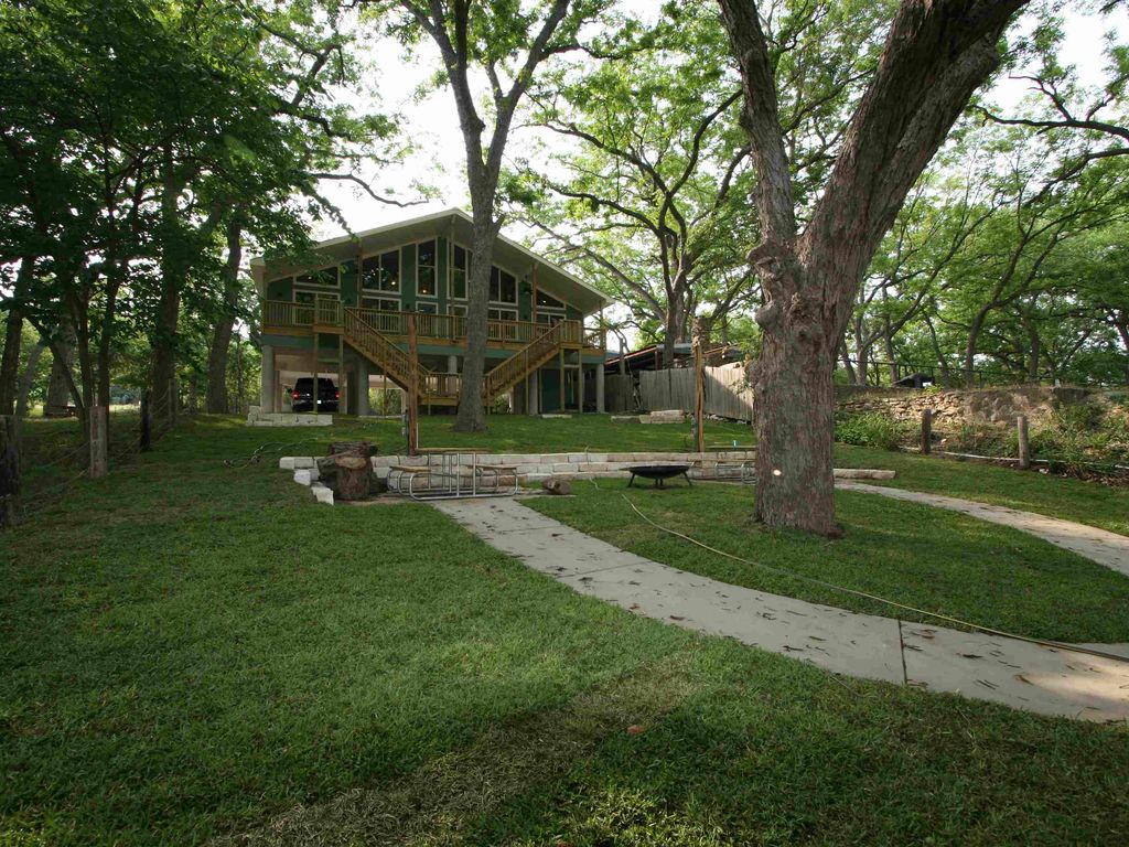 The guadalupe river is on the guadalupe prime vrbo for Floating the guadalupe river cabins